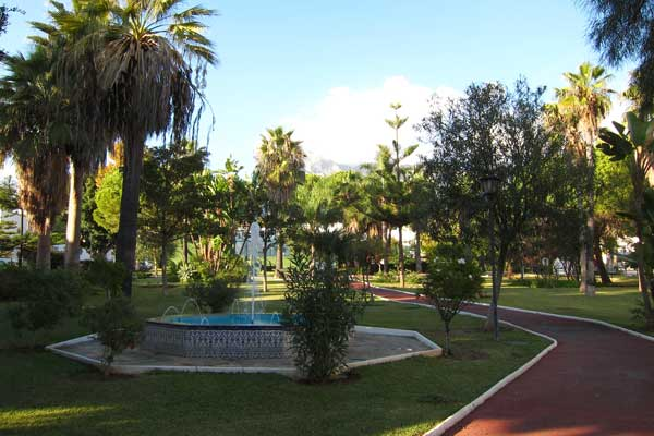 Path leading to the Beach and Paseo Maritimo through Tropical Gardens